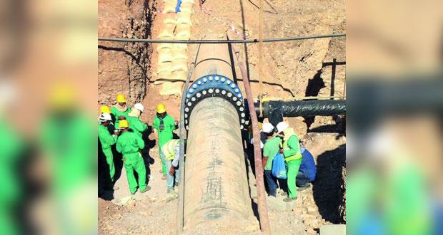 الهيئة العامة للكهرباء والمياه تنتهي من اعمال الربط الاستراتيجية للمياه في محافظة الداخلية