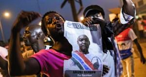 غرب إفريقيا تعلق عمليتها العسكرية في جامبيا وتمنح رئيسها فرصة أخيرة