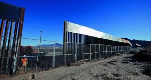 المكسيك تستنكر خطة واشنطن لبناء جدار وترامب يتوعدها بدفع التكاليف بشكل أو بآخر