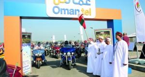 الدراجون العرب يبدأون استكشاف المعالم السياحية بالسلطنة