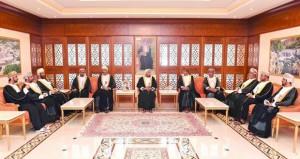 رؤساء المجالس البلدية بالمحافظات التابعة لوزارة الداخلية يــؤدون قســم اليمين