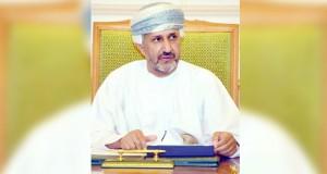 """أمين عام شؤون البلاط السلطاني يدشن كتاب """"إنجازات شباب عمان"""" بمجلس عمان"""
