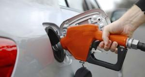«127428» استخدموا بطاقاتهم في تعبئة الوقود