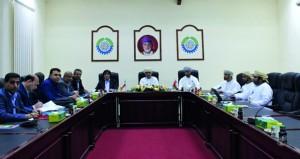 لجنة المتابعة بين محافظتي مسندم وهرمزجان الإيرانية تناقش تعزيز التبادل التجاري والاستثماري