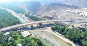 البلديات الاقليمية تواصل تنفيذ عدد من مشاريع رصف الطرق الداخلية بمختلف المحافظات
