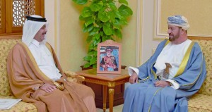 الوزير المسؤول عن شؤون الدفاع يستقبل السفير القطري