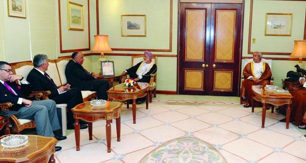 بحث أوجه التعاون الثنائي بين السلطنة ومصر وتعزيزها في مختلف المجالات