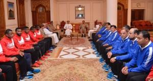 وزير المكتب السلطاني يكرم منتخبنا العسكري لكرة القدم