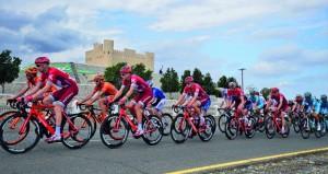 اللجنة الرئيسية لطواف عمان تنهي كافة تحضيراتها واستعداداتها وتحدد مسارات السباق