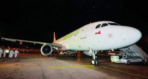 """طيران السلام يدشن أولى طائراته """"سمهرم"""" ويسير أولى رحلاته من صلالة إلى مسقط اليوم"""