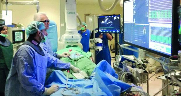 تدشين خدمة علاجية نوعية في مجال أمراض القلب والشرايين بالمستشفى السلطاني