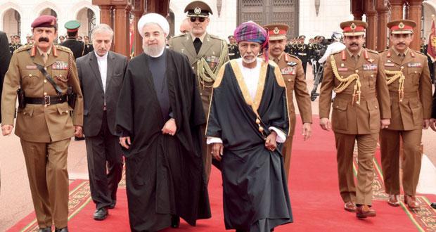 جلالته وروحاني يستعرضان العلاقات الوطيدة التي تربط البلدين وأوجه التعاون الثنائي القائم بين السلطنة وإيران وسبل تعزيزه في مختلف المجالات