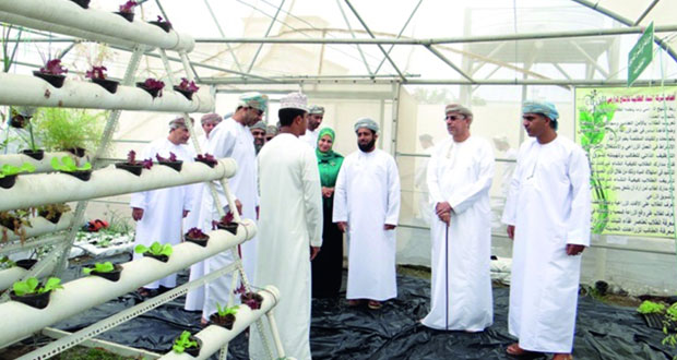 وزير الزراعة والثروة السمكية يزور شركة النماء الطلابية للإنتاج الزراعي بالسويق