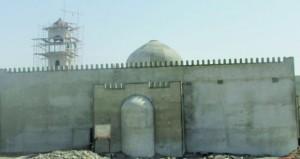 تشييد وبناء وإعادة بناء العديد من الجوامع والمساجد بولاية نـزوى لتكون إضافة لمعالمها الدينية