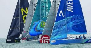 """المرحلة الخامسة تشهد منافسة قوية وغدا إقامة السباقات القصيرة بمرسى نخلة جميرا في الطواف العربي للإبحار الشراعي """"إي.أف.جي"""""""