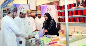 ثراء معرفي وحركة شرائية متصاعدة تشهدها الدورة الـ 22 لمعرض مسقط الدولي للكتاب