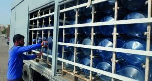 بلدية مسقط : نقل مياه الشـرب في مركبات مكشوفة وبيعها خارج المحل التجاري يشكل خطرا على صحة المستهلك