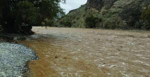 أمطار بين الغزيرة والمتوسطة مصحوبة بتساقط البرد على عدد من محافظات السلطنة والأهالي يستبشرون بتحسن منسوب المياه