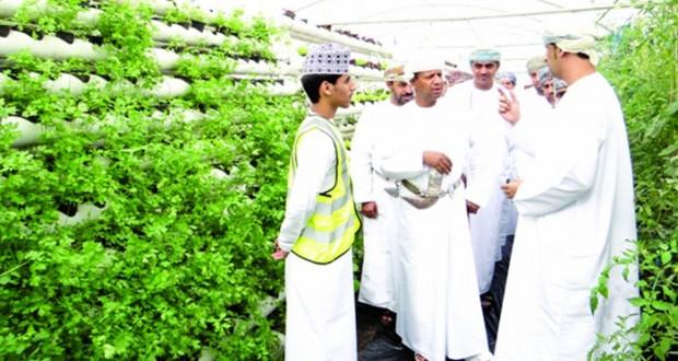 وكيل التخطيط التربوي وتنمية الموارد البشرية يزور مدرسة عبدالله بن العباس بالسويق