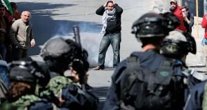جنود الاحتلال يقمعون مسيرات إحياء ذكرى مجزرة (الإبراهيمي) بالخليل