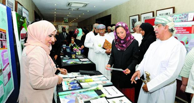 السلطنة تحتفل بيوم التمريض الخليجي