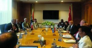 بحث سبل تطوير العلاقات التجارية والصناعية بين السلطنة وجنوب إفريقيا