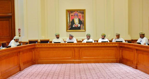 """لجنة """"معالجة تداعيات الأزمة الاقتصادية"""" بالشورى تناقش مع الجمعية الاقتصادية العمانية تخفيض الإنفاق وزيادة الإيرادات"""