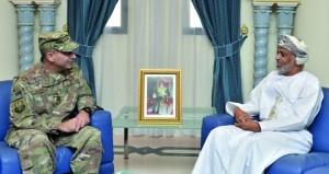 بحث التعاون الثنائي بين السلطنة والولايات المتحدة في المجالات العسكرية