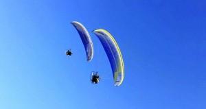 عروض رائعة ومثيرة للطيران الشراعي واللاسلكي في احتفال فريق الظاهرة للهواة بيومه السنوي