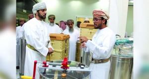 افتتاح أول شـركة عمانية متخصصة بإنتاج العسل وتسـويقه في المصنعة