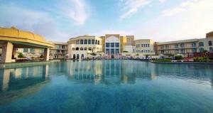 وزير السياحة يتوقع تضاعف أعداد السـياح القادمين إلى السـلطنة في الأعوام المقبلة