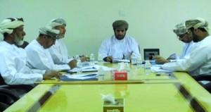 لجنة شؤون البلدية بمنح تطالب بشبكة صرف صحي لمخطط الجابرية لحماية أفلاج الولاية من التلوث