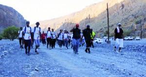اليوم المسير الخيري الثالث للفرق الرياضية الجبلية ينطلق من نـزوى