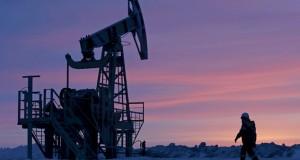 أسعار النفط تتراجع بسبب الشكوك في التزام روسيا بخفض الإنتاج