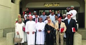 اختتام فعاليات ملتقى الفنان المقيم بنسخته الثانية في جامعة السلطان قابوس