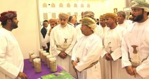 جامعة ظفار تستضيف المعرض الترويجي للمنتجات العمانية