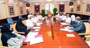 اللجنة المشتركة الثلاثية تناقش العديد من الموضوعات المطروحة