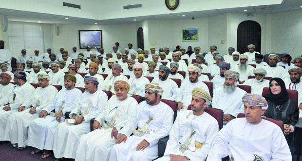 البلديات الإقليمية تختتم البرنامج التدريبي لعمال مكافحة نواقل الأمراض