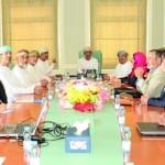 اجتماع مشترك بين وزارة البيئة وجامعة السلطان قابوس حول مشروع الحفر العلمي في صخور (الافيوليت)