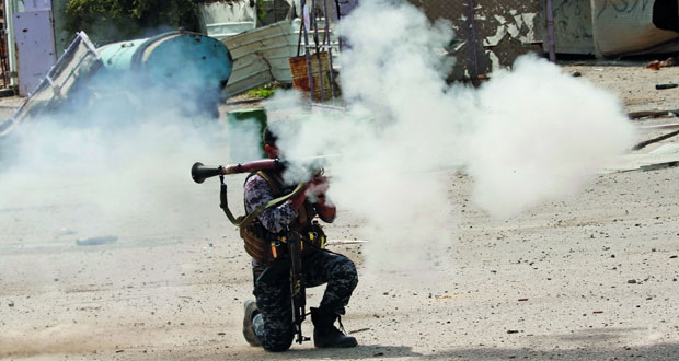 القوات العراقية تواصل التقدم باتجاه جامع النوري .. و(داعش) يفخخ مركبات الأهالي