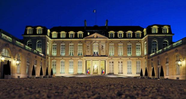 (رئاسية فرنسا): فالس سيصوت لماكرون وتوجيه تهم بالفساد لزوجة فيون
