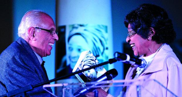 جنوب إفريقيا : وفاة أحمد كاثرادا رفيق مانديلا في الكفاح