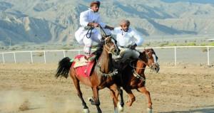 مهارات فروسية وفنون تقليدية ترسخ حب وارتباط العماني بهذه الرياضة