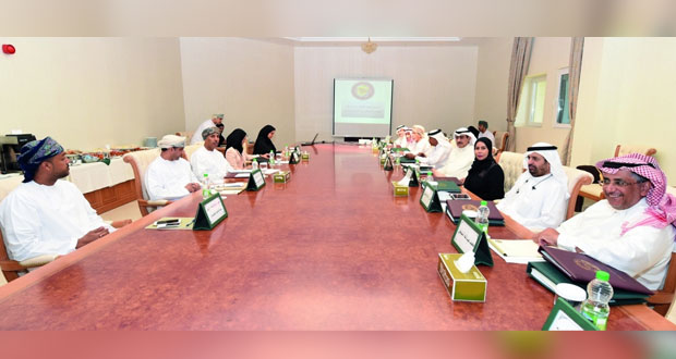 لجنة التواصل الاجتماعي بين الأهمية والمحاذير تعقد اجتماعها الثالث