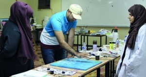 مخيم الفنانين بكلية التربية بالرستاق يبدأ فعالياته