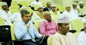 تواصل فعاليات التوأمة بين مدينتي صور العمانية واللبنانية بولاية صور