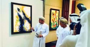 """التشكيلي سلمان الحجري يقيم معرضه الثالث """"ضفاف الحلم"""" بمؤسسة سلطان العويس الثقافية"""