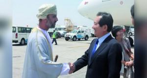 رئيس الجمعية الوطنية الكورية والوفد المرافق يصلون السلطنة