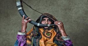 """""""المرأة العمانية بين الفن والشجاعة"""" تجسد قوتها وثباتها وحضورها ودورها وبصمتها في الحياة"""