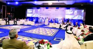 """""""السياحة"""" تستعرض منتجاتها ومشاريعها في سوق السفر العربي بدبي"""